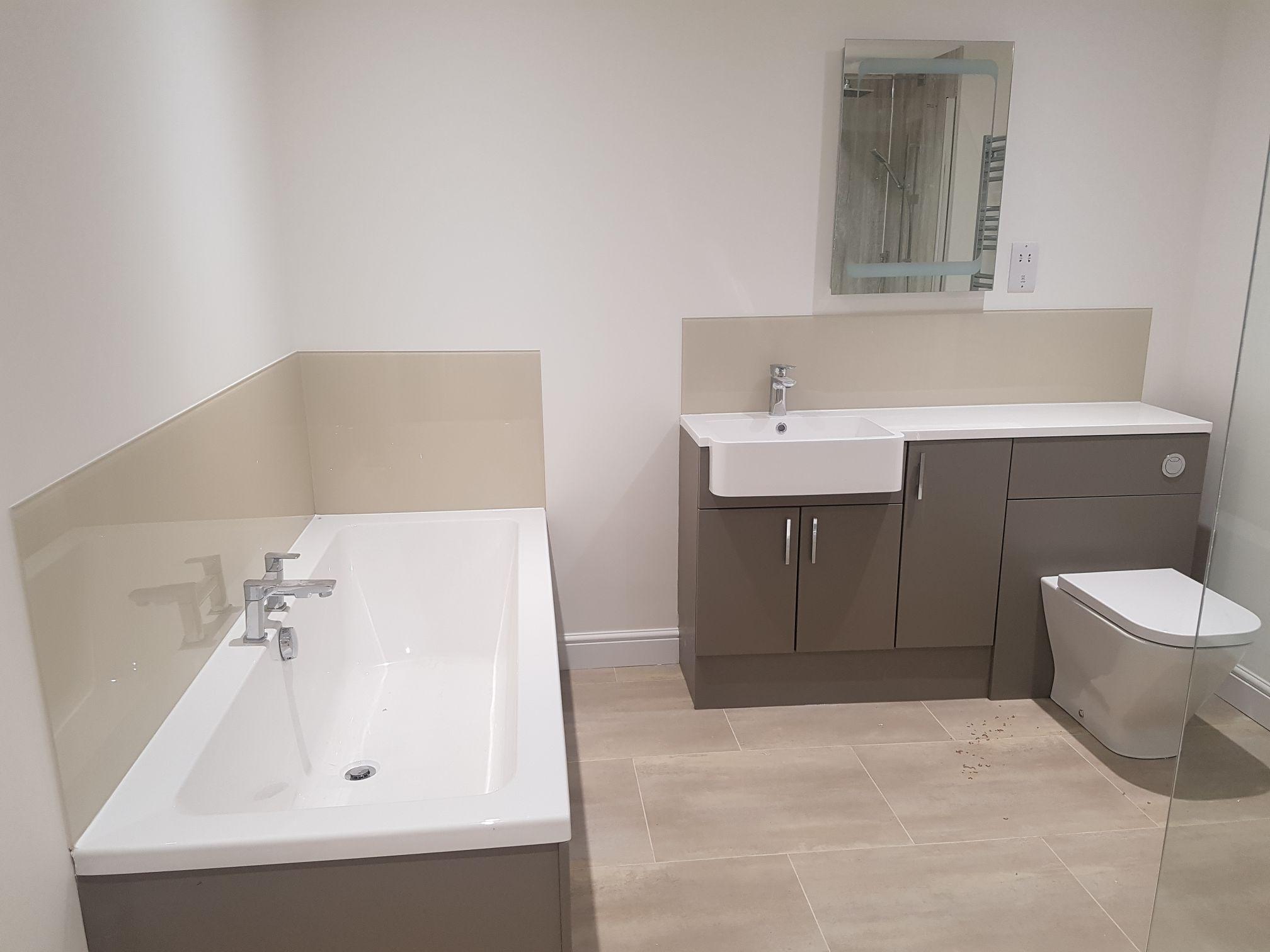 bathroom splash backs warwickshire